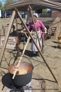 Stirring apple butter